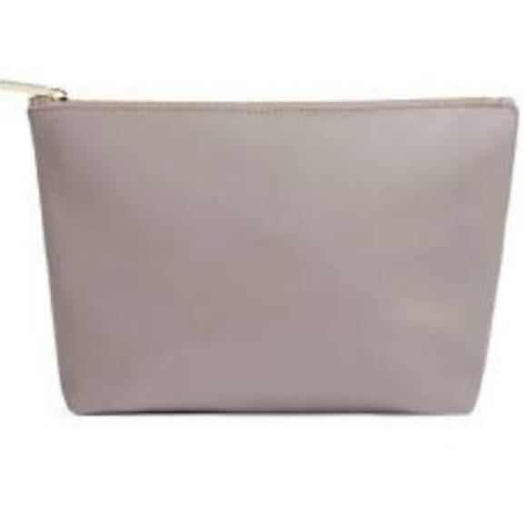 Cuyana Handbags - Cuyana Small Leather Zipper Pouch